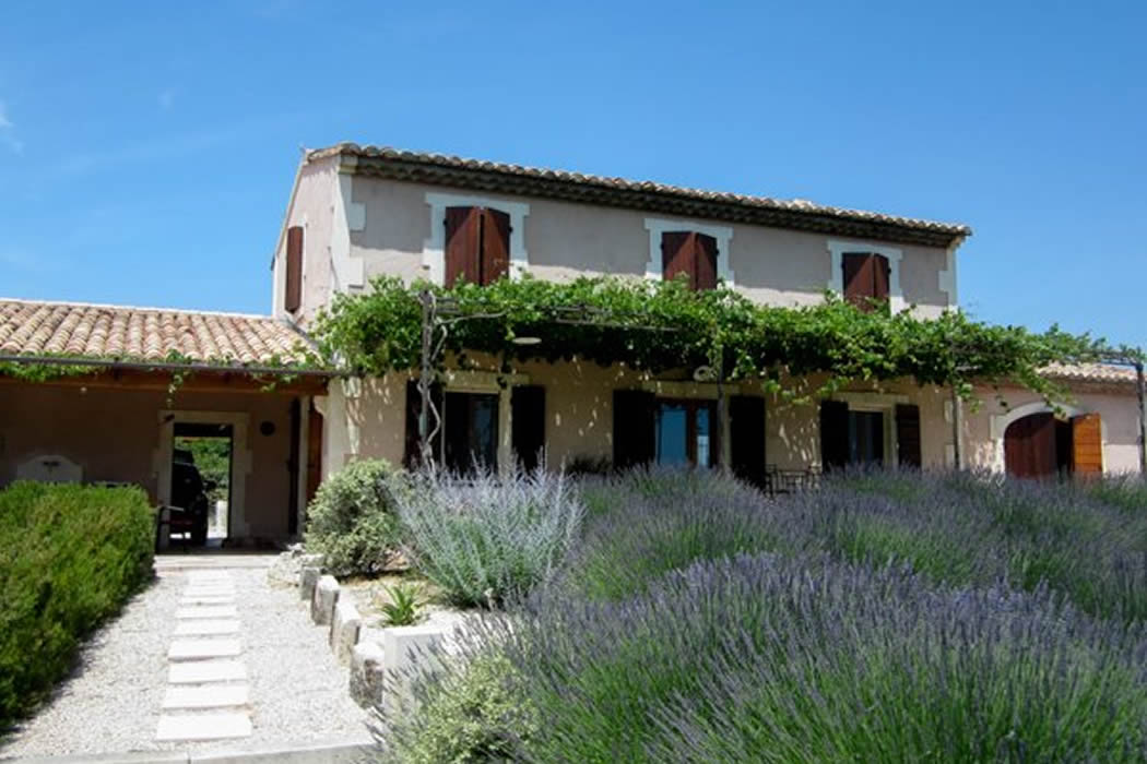 Mas du pieou comfortable provencal house with own pool st remy de provenc - Pool house provencal ...